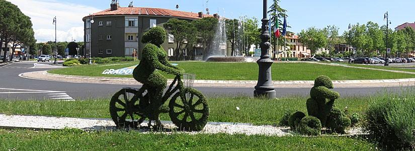 Dilunc la piste ciclabile Aquilee-Grau